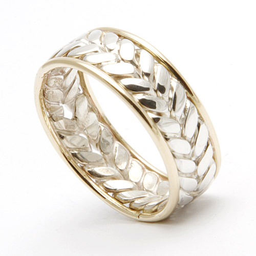Flat silver illusion ring with gold rims